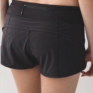 Lululemon Speed Shorts // black